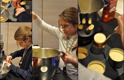 Bavarois à la mangue sur sablé de Nançay, miroir au coulis de cassis