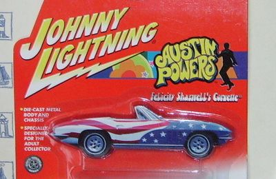 Corvette 1965 Cabriolet by Johnny Lightning.