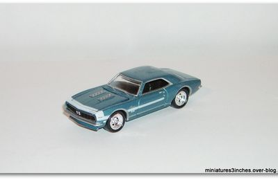 Camaro 1968 RS/SS by Johnny Lightning.
