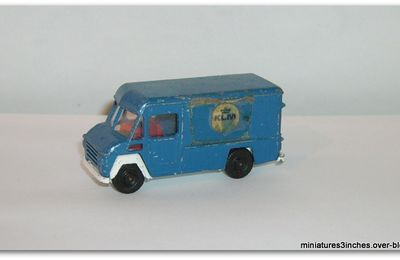 Commer 302 by Efsi.