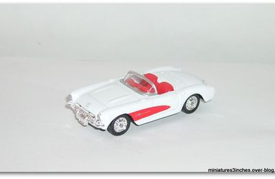 Corvette 1957 by Welly.