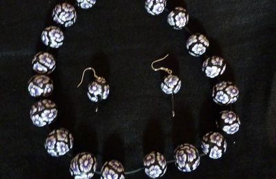 un chti collier et boucles en passant...