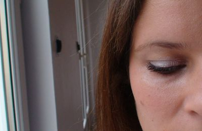 Make-up ultra simple avec High Shine de bareMinerals