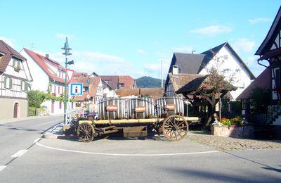 insolite : carrefour aux tonneaux (Allemagne)