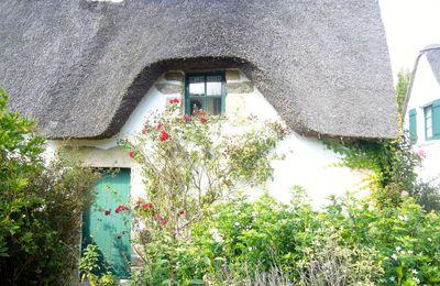 maisons de Bretagne aux toits de chaume