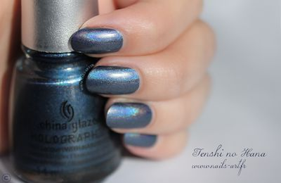 China Glaze – Straps on Your Moonboots