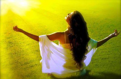 Mal à la tête, tempes serrées, barre au front ? Ancrez-vous et évacuez le trop-plein d'énergie !