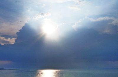 Le ciel , le soleil et la mer !