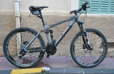 "Le Bike de William "" CANYON NERVE AL""."