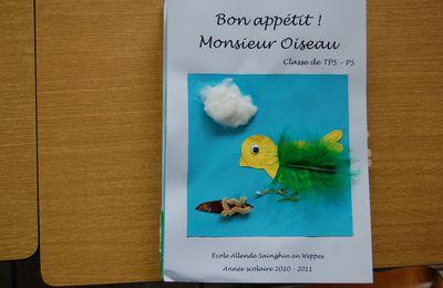 """""""Bon appétit Monsieur Oiseau."""""""