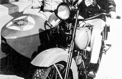 stars on bikes : Andy Griffith & Barney Fife
