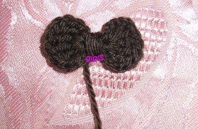 Comment faire un noeud papillon , au crochet,................
