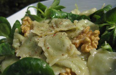 Salade de ravioles de Romans et noix de Grenoble pour mettre à l'honneur le Dauphiné