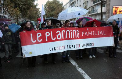 Pétition : Planning Familial en danger !