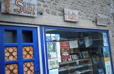 """Tintin à la librairie """"Sur la Route"""""""