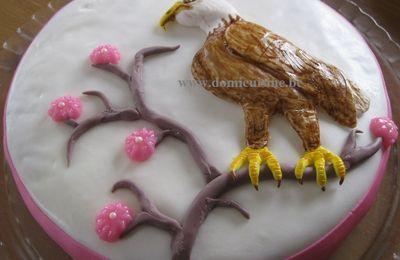 Gâteau Aigle en Pâte à Sucre