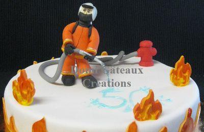 """Gâteau """"Pompier"""" en Pâte à Sucre"""