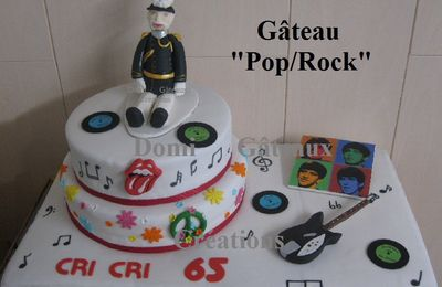 "Gâteau ""Pop/Rock"" en Pâte à Sucre (Thème Beattles, Rolling Stones, Peace and Love)"