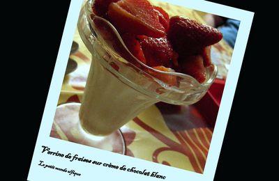 Verrine de fraises et mousse de chocolat blanc