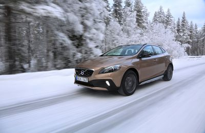 Volvo V40 Cross Country : la V40 en parka cirée