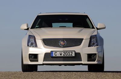 Cadillac CTS-V Sport Wagon : attention, avion furtif !