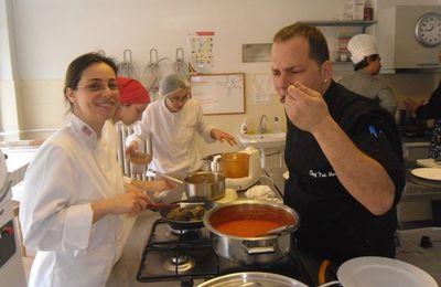 Un atelier de cuisine pour les gourmands sur la rive asiatique