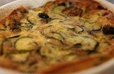 Quand le sucré se déguise en salé. Clafoutis à la courgette et aux olives noires!
