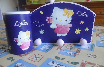 Hello kitty en rose ou violet