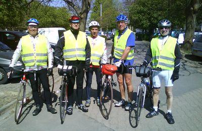 Le départ des cyclistes.