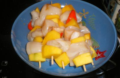 BROCHETTE DE ST JACQUES ET MANGUE