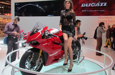 EICMA 2012...and his Girls