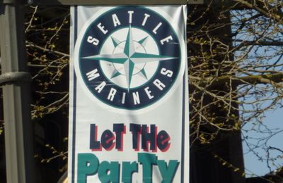 Seattle (4) - Mariners