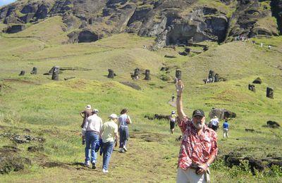 41. Volcán Rano Raraku: fábrica de moais o la caída del mito