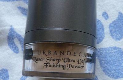 RAZOR SHARP - URBAN DECAY