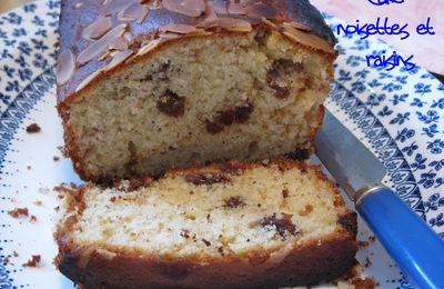 Gâteau aux raisins avec un petit goût de noisette