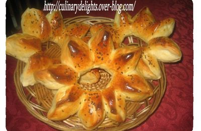 Flower-shaped bread