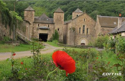 photo de l' abbaye de bonnecombe en aveyron