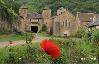 photo de l' abbaye de bonnecombe en aveyron