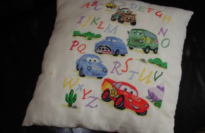 "coussin ""cars"""