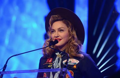 Madonna at the GLAAD Media Awards (Dossier Photos)