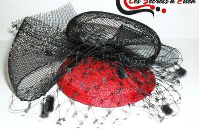 Chapeau bibi à voilette noir et rouge
