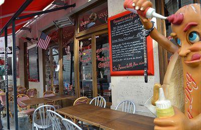 Le Fil Rouge Café-Restaurant : A l'heure américaine