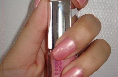 Vernis à ongles rose - Réserve Naturelle
