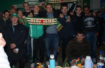 Dernière journée: Red Star vs Vannes 2 à 0, l'après match devant le local.