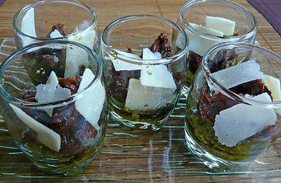 Verrines italiennes : pistou, tomates et parmesan