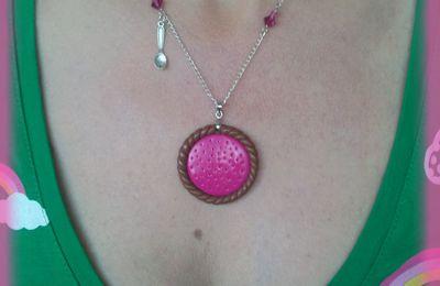 Collier tartelette, bijoux de sac arc en ciel ^^
