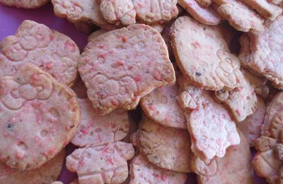 Biscuits aux pralines roses Hello Kitty