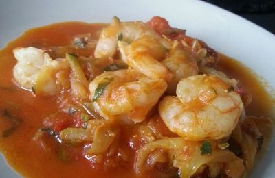 Crevettes et légumes en sauce