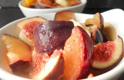 Salade de fruits, figue, prune, nectarine et banane
