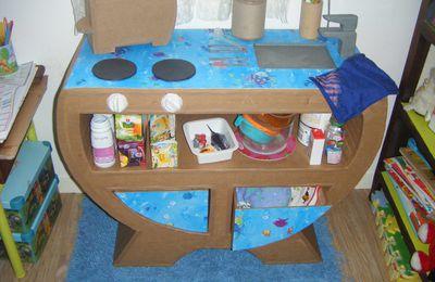commode en carton mini cuisine pour enfants, çà tourne !!! cuisinette pour enfant